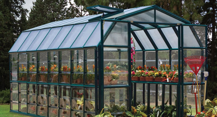 Should-You-Use-Polycarbonate-Or-Glass-To-Build-Your-Greenhouse