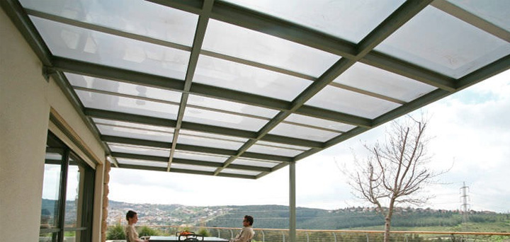 Why Is Polycarbonate Roofing Better Than Glass Tuflite
