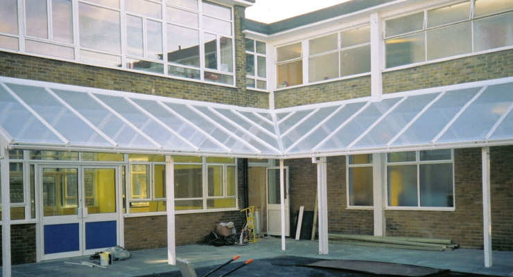 How Can Multiwall Polycarbonates Add Functionality To Your Roof